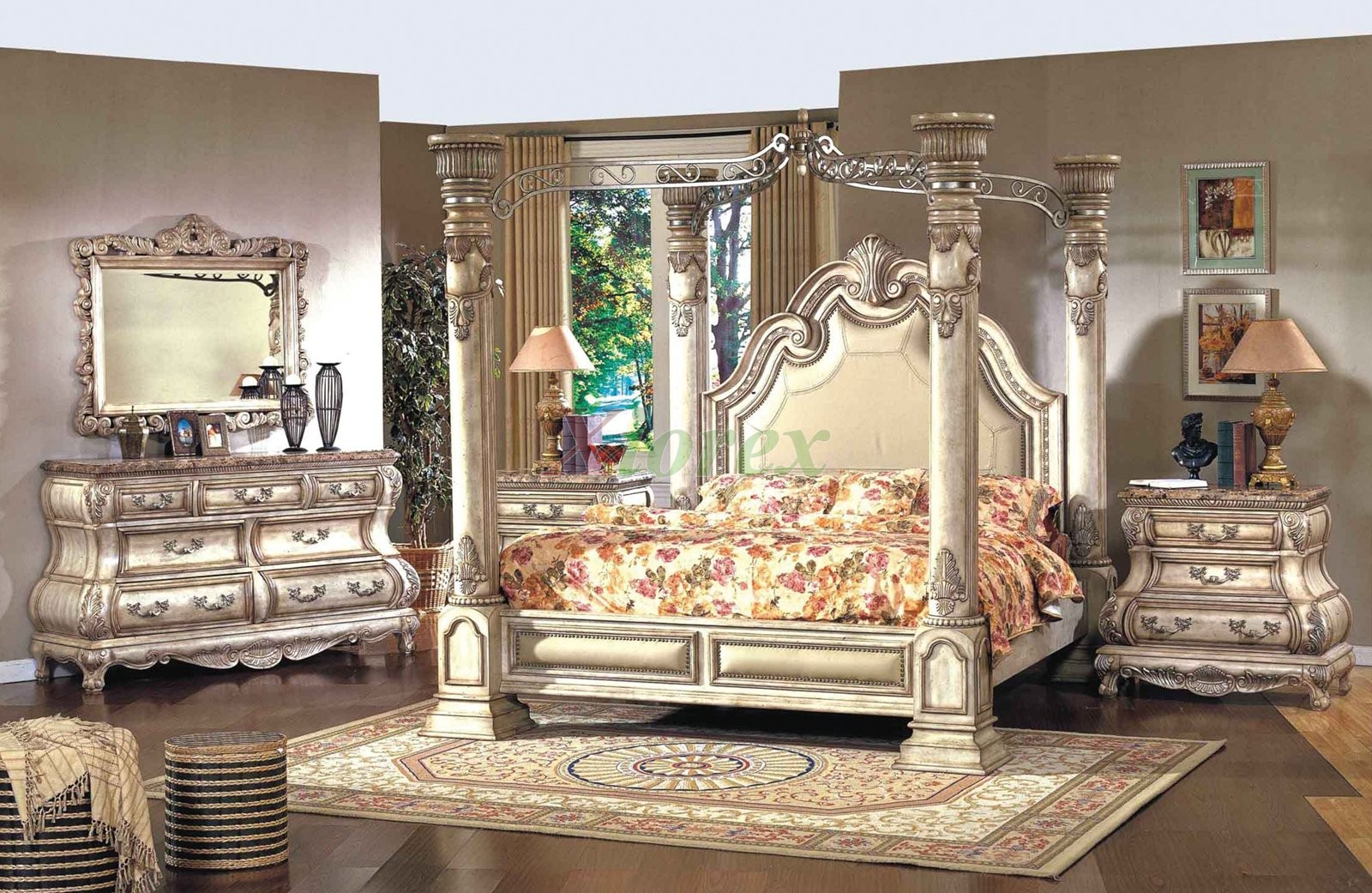 Traditional Poster Bedroom Furniture Set Metal Canopy Leather Headboard 101