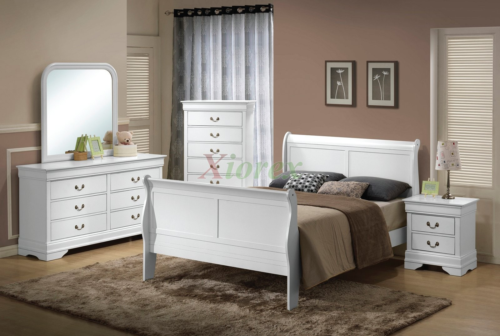 Semi-gloss Sleigh Like Bedroom Furniture Set 9 in Cherry Black White